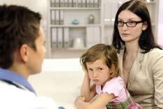 Ärztliche Kontrolluntersuchung beim Kind